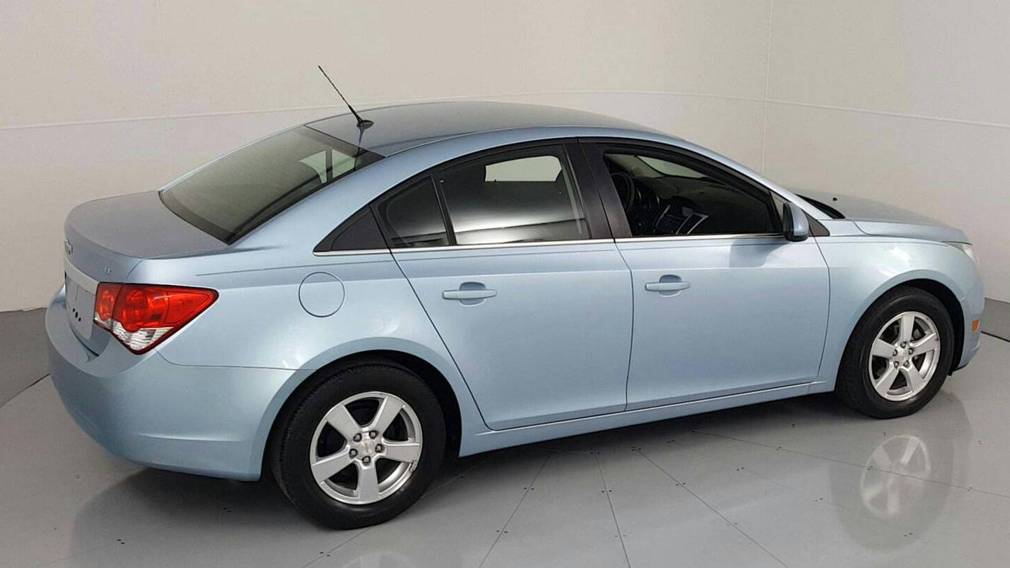 Pre-Owned 2011 CHEVROLET CRUZE LT