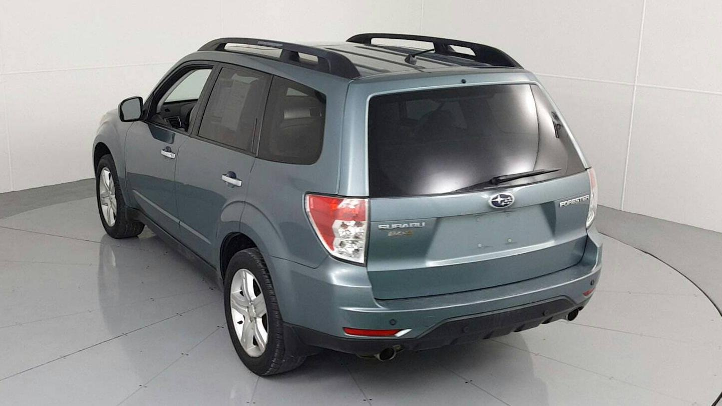 Pre-Owned 2009 SUBARU FORESTER 2.5X