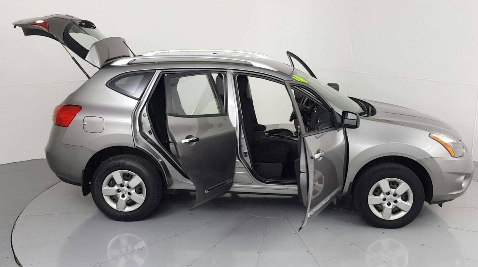 Pre-Owned 2014 NISSAN Rogue S