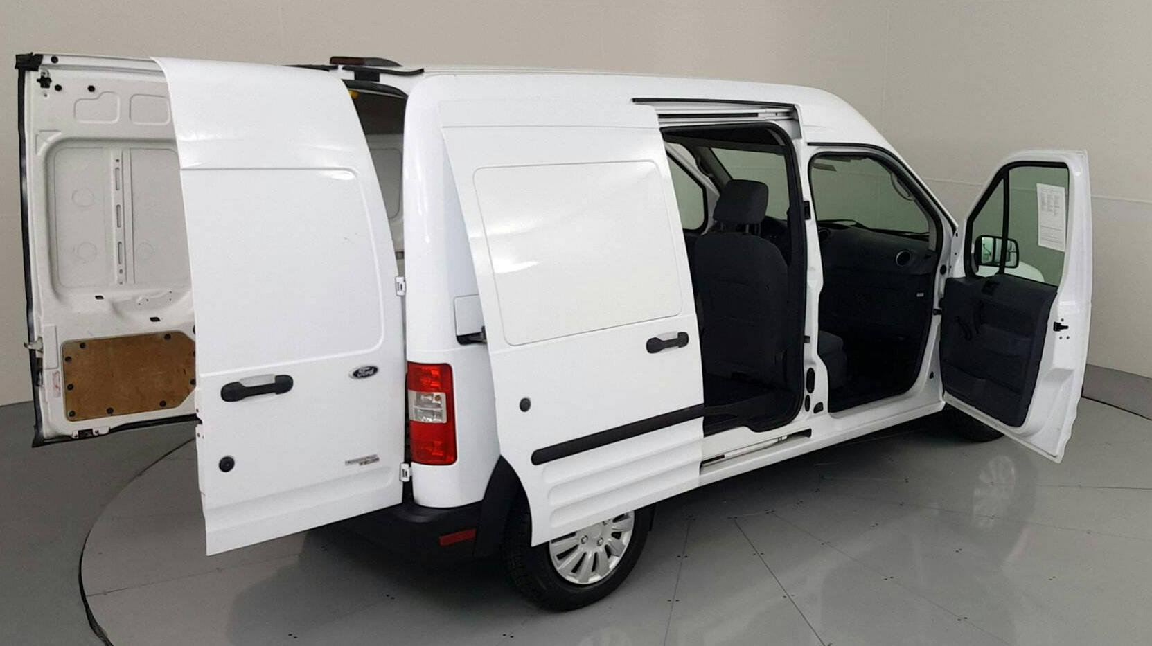 Pre-Owned 2013 FORD TRANSIT CONNECT XL